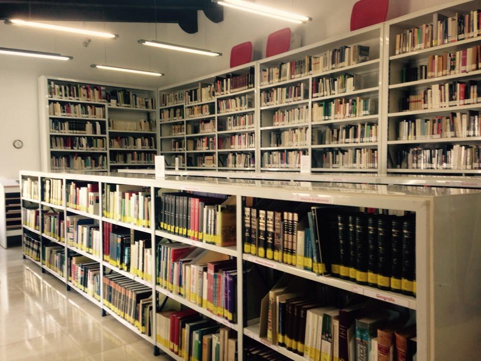 ¡Pásate por la Biblioteca!