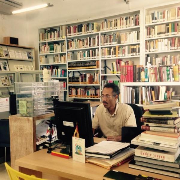 Autores en la Bilioteca – Luis Reynaldo Pérez